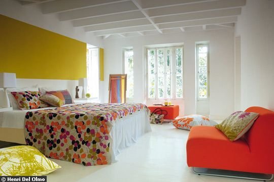 des maisons colourful bedroom