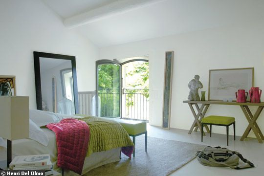 des maisons pink and green bedroom