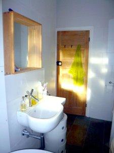 LE SM 6testbathroom